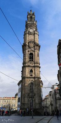 L'église Clérigos est une église baroque. Son haut clocher, la Torre dos Clérigos, peut être vu de divers points de la ville et est l'un de ses symboles les plus caractéristiques - Ville historique de Porto - Portugal