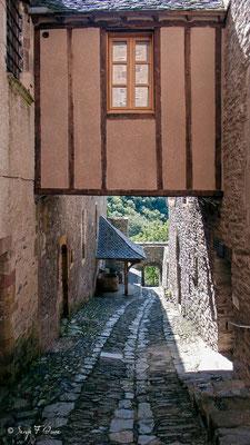 Conques - France - Sur le chemin de St Jacques de Compostelle (santiago de compostela) - Le Chemin du Puy ou Via Podiensis (variante par Rocamadour)du Puy ou Via Podiensis (variante par Rocamadour)