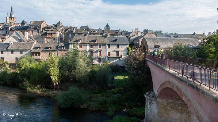 Le Lot à Saint-Côme d'Olt - France - Sur le chemin de St Jacques de Compostelle (santiago de compostela) - Le Chemin du Puy ou Via Podiensis (variante par Rocamadour)