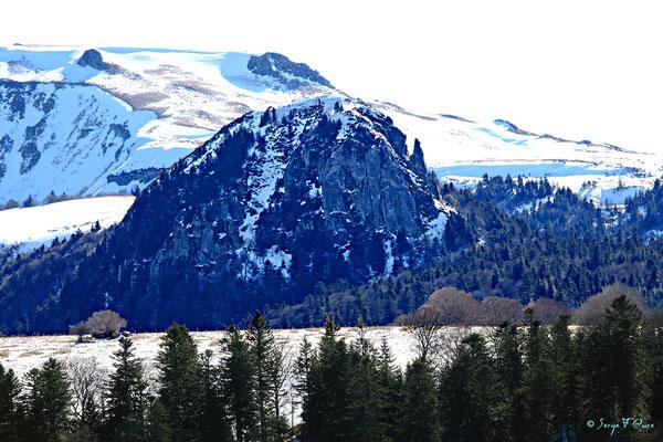 Le Capucin vu du pied du Puy Gros - Massif du Sancy - Auvergne - France