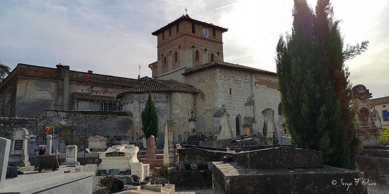 Cimetière et église de Pommevic - France - Sur le chemin de Compostelle