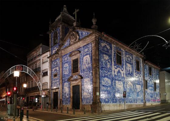 Façades et vitrines - Chapelle de Santa Catarina, cette église du XVIIIe siècle est un incontournable de Porto - Portugal - Sur le chemin de Compostelle - par Serge Faure