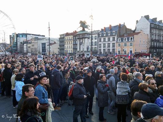 """Marche pour la Liberté d'expression à Clermont-Ferrand le dimanche 11 Janvier 2015 """"Je suis Charlie"""""""