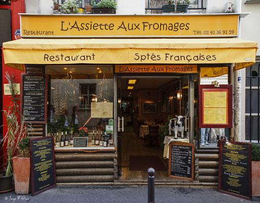 """""""Quartier Mouffetard - Paris - France"""" Façades et vitrines par Serge Faure"""