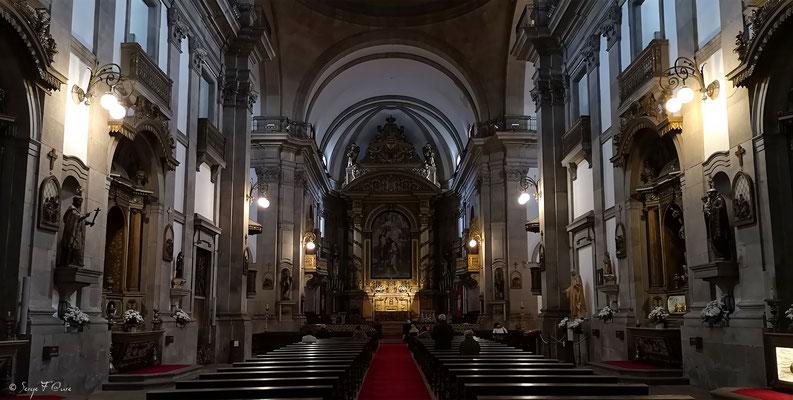 Intérieur de l'Eglise du Carmo (Carmel en français) - En déambulant dans les rues de la ville historique de Porto - Portugal