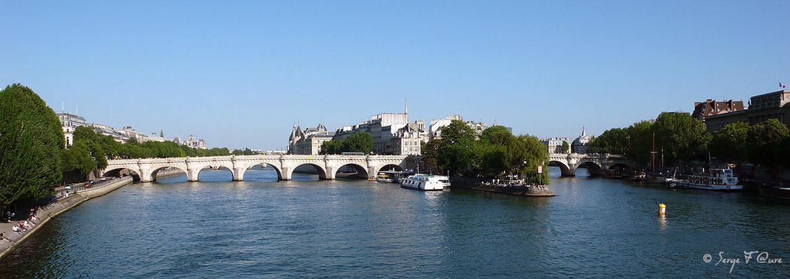 Le pont de l'île de la cité - Paris - France - 2010