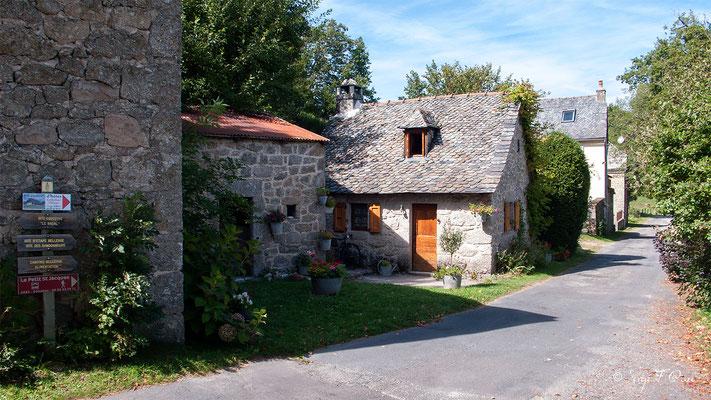 n allant vers Golinhac - France - Sur le chemin de St Jacques de Compostelle (santiago de compostela) - Le Chemin du Puy ou Via Podiensis (variante par Rocamadour)