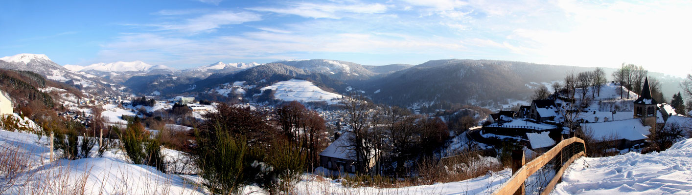 Le Puy de Sancy vu de Murat le Quaire (Auvergne) Février 2010