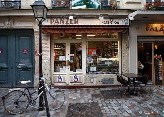 Charcuterie - rue Vieille du Temple - Paris (Avril 2012)