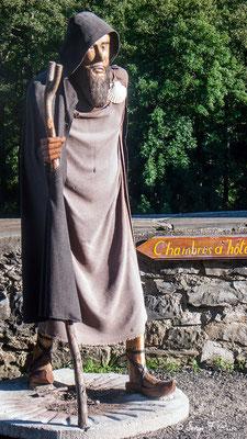Statue de St Jacques à Saint-Chély-d'Aubrac - France - Sur le chemin de St Jacques de Compostelle (santiago de compostela) - Le Chemin du Puy ou Via Podiensis (variante par Rocamadour)