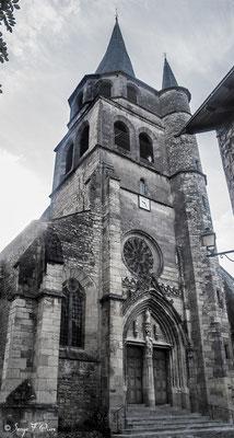 Eglise de Saint-Côme d'Olt - France - Sur le chemin de St Jacques de Compostelle (santiago de compostela) - Le Chemin du Puy ou Via Podiensis (variante par Rocamadour)