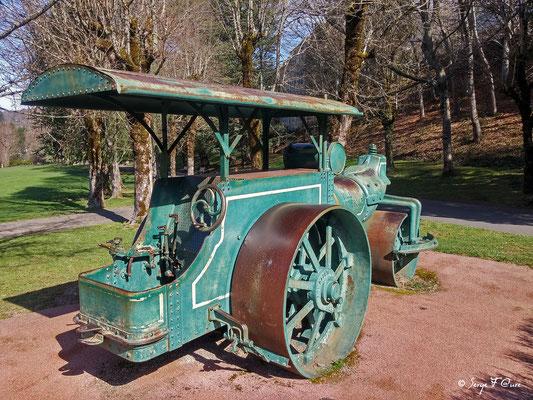 Rouleau compresseur au Parc Fenestre à La Bourboule - Auvergne - France