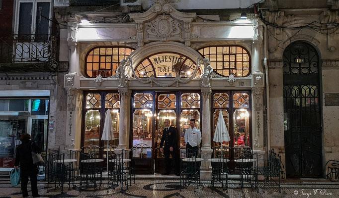 Façades et vitrines - Le Majestic Café de Porto - Portugal - Sur le chemin de Compostelle - par Serge Faure