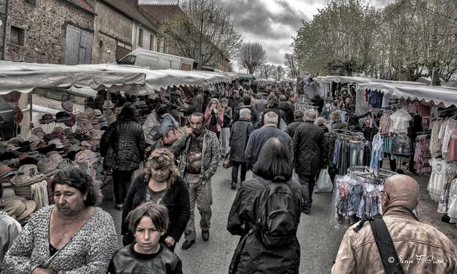 La foire de Giat (le marché vu façon Victor Hugo) - Auvergne - France (2017)