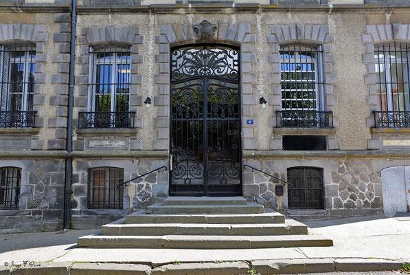 Entrée du Médicis Palace à La Bourboule - Auvergne - France