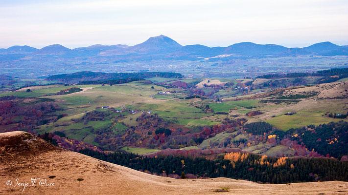 Le Puy de Dôme vu du Puy Loup - Massif du Sancy - Auvergne France