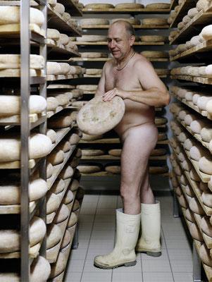 """Calendrier des Fromagers 2013 - """"Secrets de Fromages"""" - Patrick - (Nus / Nudes) ©Photographie Serge  Faure"""