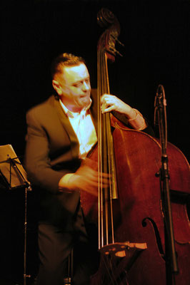 "Contrebasse: Stephen Harrisson / Matthieu Boré ""Fats Domino's True Spirit"" / SancySnowJazz 2009"