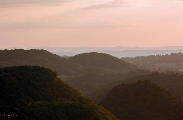 Coucher de Soleil sur les Chaumettes Hautes - Massif du Sancy - Auvergne - France