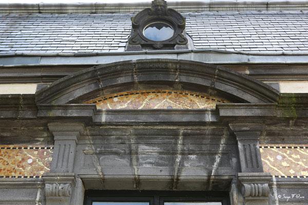 Détail de la façade du Casino de La Bourboule - Auvergne - France