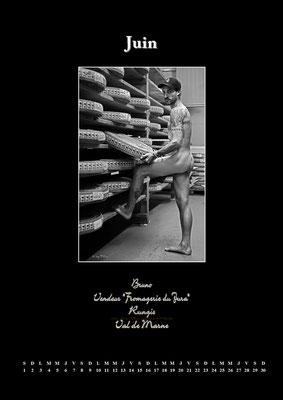 """Calendrier des Fromagers 2013  Juin - """"Secrets de Fromages"""" - Bruno - (Nus / Nudes) ©Photographie Serge  Faure"""