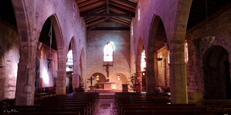 L'église Notre Dame des Sablons est une église gothique située à Aigues-Mortes