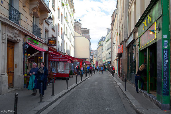 Rue Mouffetard - Paris - France - 2011