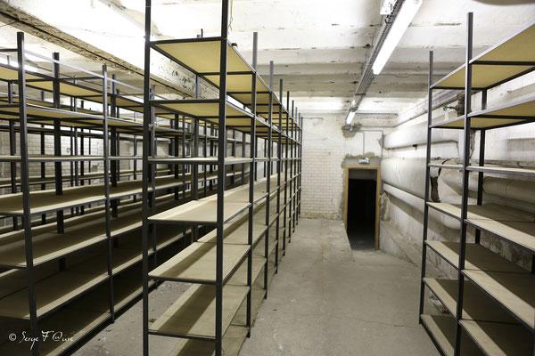 Salle des coffres dans les souterrains recueillant le trésor de la banque de France sous le gouvernement de Vichy au Médicis Palace à La Bourboule - Auvergne - France