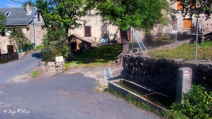 Les Estrets - France - Sur le chemin de St Jacques de Compostelle (santiago de compostela) - Le Chemin du Puy ou Via Podiensis (variante par Rocamadour)
