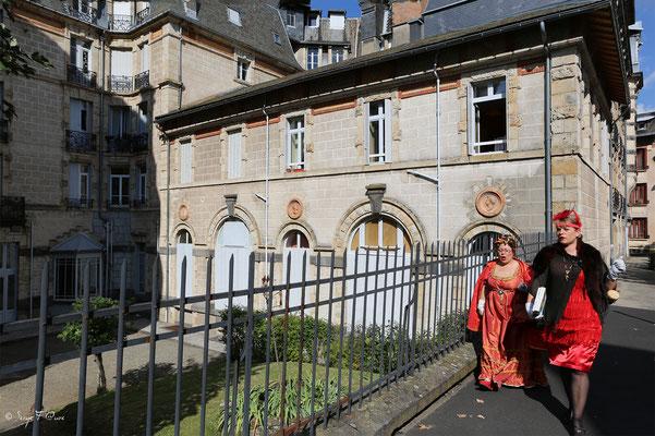 Déambulation dans la rue de Reims - Arrière de l'hôtel Métropole à La Bourboule - Auvergne - France