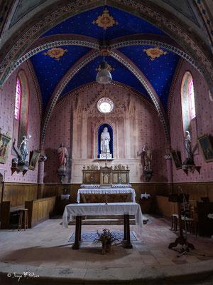 Chœur de l'église catholique à Saint-Antoine - France - Sur le chemin de Compostelle