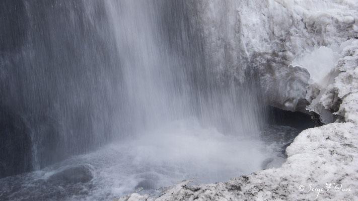 Chute d'eau de la cascade du Queureuilh - le Mont Dore - Massif du Sancy - Auvergne - France