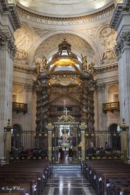 Mariage au Val-de-Grâce - Eglise emblématique de Paris depuis le XVIIe siècle - France