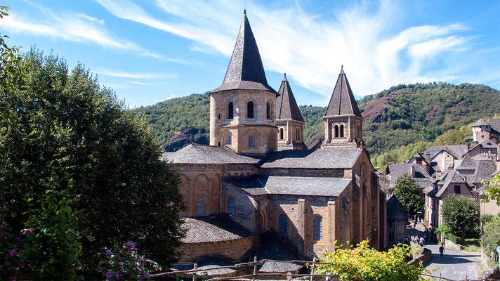 Abbatiale de Conques - France - Sur le chemin de St Jacques de Compostelle (santiago de compostela) - Le Chemin du Puy ou Via Podiensis (variante par Rocamadour)du Puy ou Via Podiensis (variante par Rocamadour)