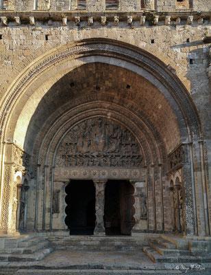 Tympan de l'abbaye St Pierre de Moissac - France - Sur le chemin de Compostelle