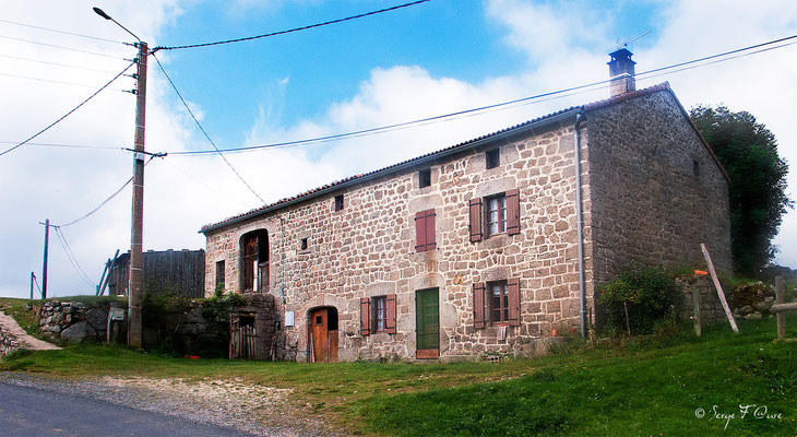 La Clauze - France - Sur le chemin de St Jacques de Compostelle (santiago de compostela) - Le Chemin du Puy ou Via Podiensis (variante par Rocamadour)