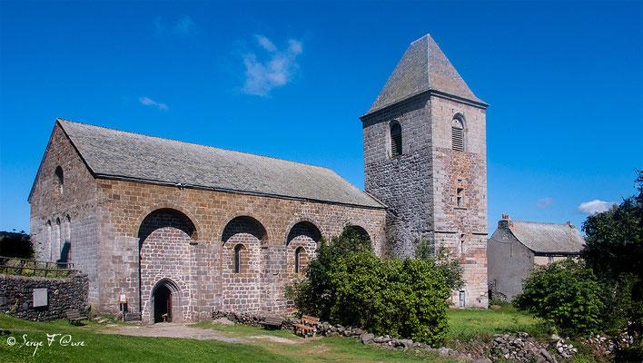 Eglise d'Aubrac - France - Sur le chemin de St Jacques de Compostelle (santiago de compostela) - Le Chemin du Puy ou Via Podiensis (variante par Rocamadour)
