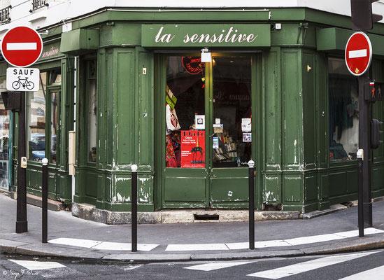 """"""" Quartier du Père Lachaise - Paris - France"""" Façades et vitrines par Serge Faure"""
