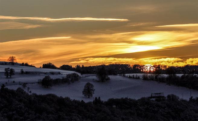 Coucher de soleil sue le plateau de Charlannes, côté Liournat - Massif du Sancy - Auvergne - France