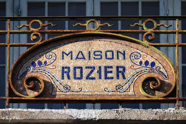 Enseigne de la Maison Rozier (Boulangerie-Pâtisserie) - La Bourboule - Auvergne - France
