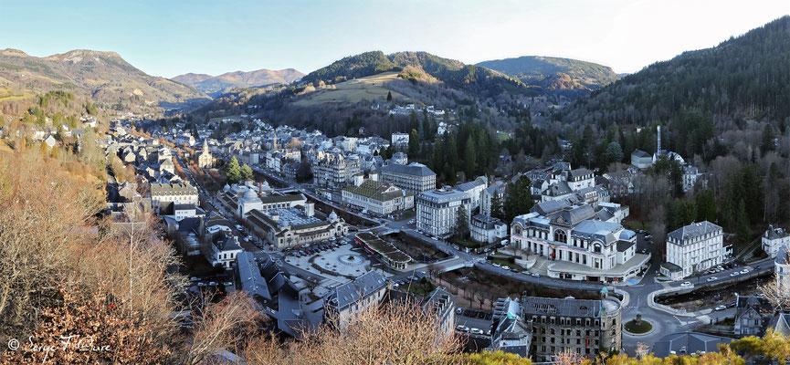 Panoramique sur La Bourboule - vu de la Roche des Fées - 2016