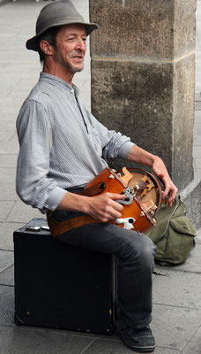 Joueur de viole (Dinan 2006)