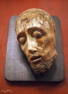 """""""Tête du Christ"""" Sculpture - Musée National du Moyen Âge - édifice situé au cœur du Quartier latin, dans le Ve arrondissement de Paris (France)"""