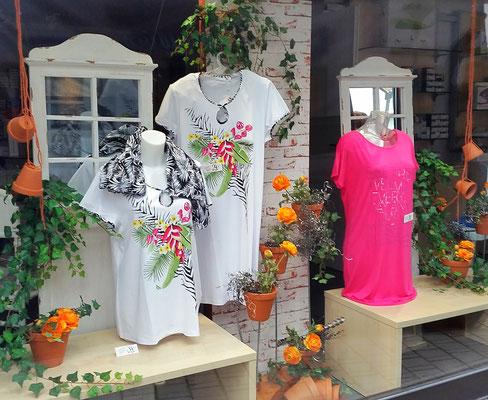 florale Sommerdekoration Sanitätshaus