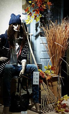 schöne Herbstdekoration beim Textiler