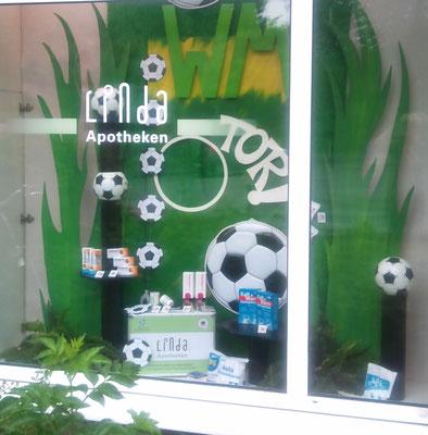Schaufenstergestaltung und um die Fußball - WM