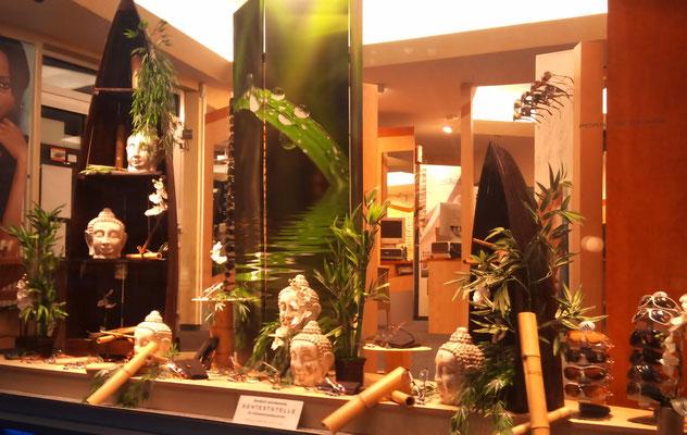 Schaufensterdekoration Buddha