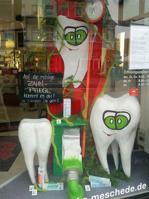 Schaufensterdekoration Thema Zahnpflege