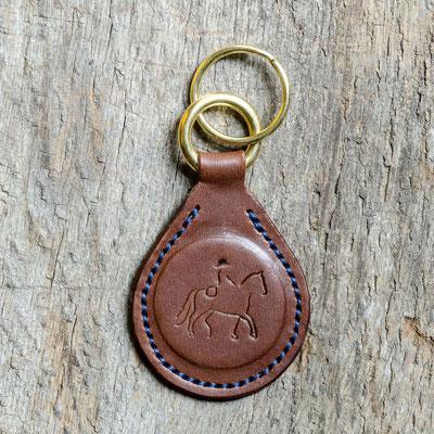 #9 Lederfarbe dunkelbraun, Schlüsselringe Messing, Garnfarbe dunkelblau - Preis: 19,00 Euro zzgl. 6,00 Euro Versand
