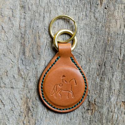 #3 Lederfarbe Cognac, Schlüsselringe Messing, Garnfarbe dunkelgrün - Preis: 22,00 Euro zzgl. 6,00 Euro Versand
